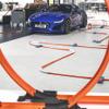 ジャガー Fタイプ 改良新型、開発スタジオを駆け抜けるミニカー[動画]