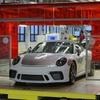 991型 ポルシェ 911 生産終了…最終モデル「スピードスター」ラインオフ