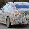 BMW 4シリーズクーペ 新型、初公開は3月のジュネーブか…新形状ライトを確認