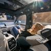 BMW X7 に究極の快適シート、数年以内に量産化へ…CES 2020