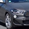 BMW X2 もグリル大型化か…新ヘッドライトも装着、改良新型をスクープ!