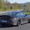 「大人のGT3」はエアロも控えめ…ポルシェ 911 GT3 ツーリングの開発車両を目撃