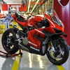 ドゥカティ、スーパーレッジェーラ V4 を生産開始…世界限定500台のスーパーバイク