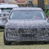 「E38」風シャークノーズ採用か? BMWのEVセダン『i7』、プロトタイプを鮮明にスクープ