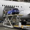 【スバル レヴォーグ 新型】飛行機に車を積み込むデモ…コラボした理由[動画]