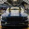 ベントレー フライングスパー 新型に550馬力ツインターボの「V8」、生産開始…欧州で納車へ