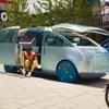 MINIのミニバンコンセプト、仮想から実車に 7月1日発表