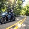 カワサキ Ninja 250/400、2022年モデルを発表…カラー&グラフィックを変更