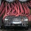 流行りの上下二段ライトがキラリ…BMW X7 改良新型、最新プロトタイプをスクープ