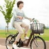 免許返納後の移動手段に、あさひがシニア向け電動アシスト自転車発売へ