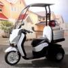ホンダ、電動ビジネスバイクに屋根付き3輪スクーターを追加…バッテリーも進化