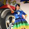 【東京オートサロン15】声優の村井理沙子さん「ハイブリッド車にE-Grip」アピール…日本グッドイヤー