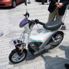 【エコカーワールド06】燃料電池スクーターに試乗したぞ!