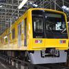 西武「黄色い6000系」ラッピング作業を公開…4月18日から営業運転