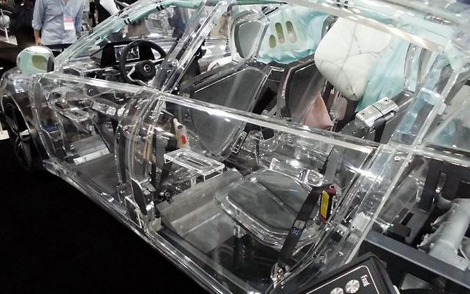 【人とくるまのテクノロジー16】未体験の視点、透明なクルマに乗って触って…ZF 画像