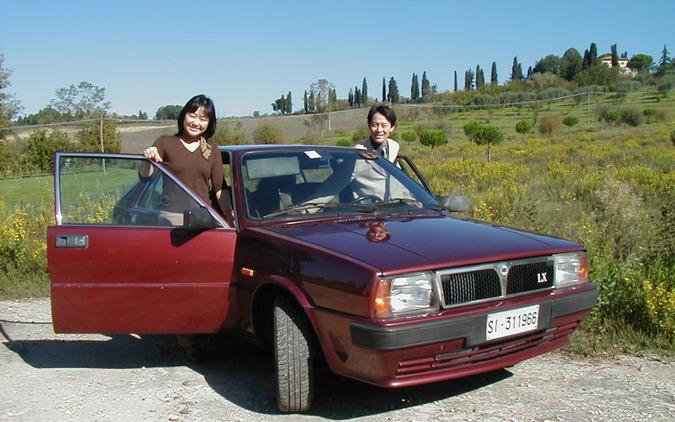 ランチア・デルタを下取りに出す日に記念撮影。2003年。
