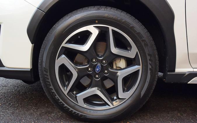 タイヤは225/55R18サイズのブリヂストン「デューラー H/P SPORT」。ウェットグリップ、接地性、乗り心地などいずれも申し分なく、XVアドバンスのクロスオーバーSUV的な味付けを引き立てていた。