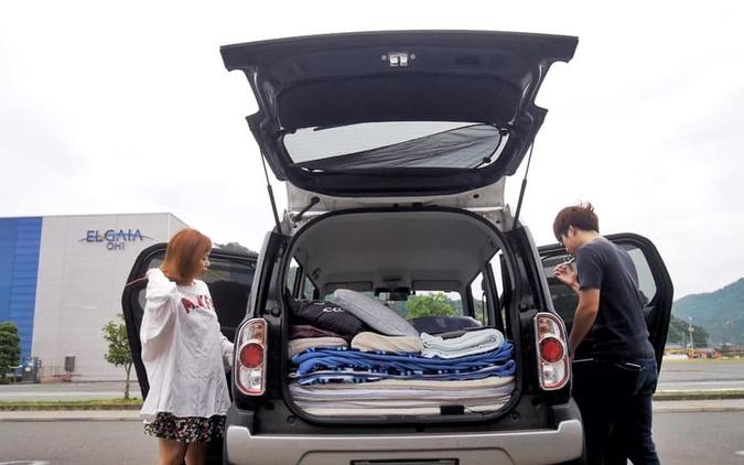 軽自動車で車中泊生活!ミニマリスト夫婦が実践するバンライフ|えりたく夫婦