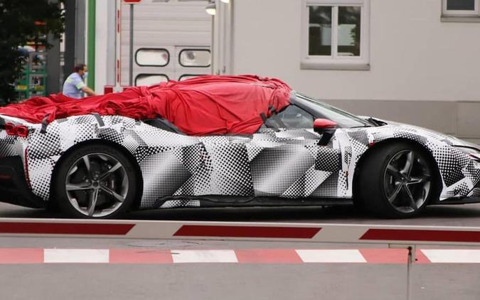 フェラーリ SF90 スパイダー(仮)開発車両(スクープ写真)