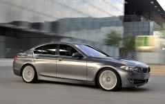 BMW 5シリーズ、8速AT装備の4WDモデルが登場 画像