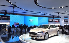 【デトロイトモーターショー16】まるでテーマパーク、フォードの最新技術展示 画像