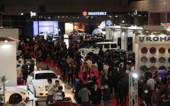 【東京オートサロン16】880台が展示、カスタムカーショー開幕…哀川翔さん「素敵な1台見つけて」 画像