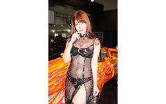 【東京オートサロン16】コンパニオン…AIWA 画像