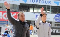 【鈴鹿ファン感謝デー16】アレジ親子、F1マシンで対決…父フェラーリF187×息子ティレル019 画像