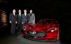マツダ RX-VISION、最も美しいコンセプトカーに選出…パリ国際自動車フェスティバル 画像