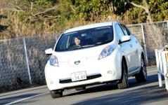 【日産 リーフ 試乗】出先で充電ばかりに振り回されるケースも減った…藤島知子 画像