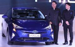 【デリーモーターショー16】トヨタ プリウス 新型、インド初公開…HVラインナップ強化 画像