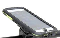 iPhoneをハンドルにしっかり固定…水・ホコリも防ぐ耐衝撃ケース 画像