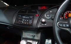 【大阪オートメッセ16】三菱電機、グレード別に3台のデモカーを聴き比べ 画像