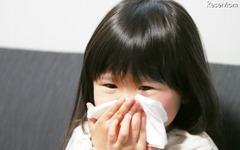 大人も知っておきたい「正しい鼻のかみ方」…中耳炎リスクを防ぐ 画像