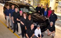 メルセデス GLS、米工場で生産開始…GL クラスが大幅改良 画像