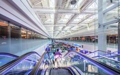 ロイヤルヨルダン航空、ドバイ国際空港コンコースDに移動 画像