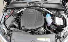 【アウディ A4 新型】完成度と信頼性で選ばれた2つの2リットルエンジン 画像