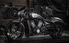 【東京モーターサイクルショー16】ヴィクトリー オクテイン、日本初公開…水冷エンジン搭載 画像