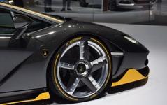 【ジュネーブモーターショー16】各メーカー最新モデル、ピレリのビスポークタイヤを装着 画像
