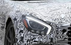 噂のスーパーメルセデス「GT-R」、LEDライト光る! 画像