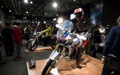 【東京モーターサイクルショー16 動画】ホンダ、新型 アフリカツイン が打ち出したアドベンチャー的世界観 画像