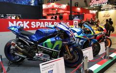 【東京モーターサイクルショー16】バイク乗りに人気のグッズは!? …Moto GPマシンも3台展示 NGK 画像