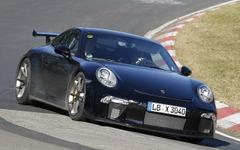 ポルシェ 911 GT3 改良型、ニュルで官能的な走り披露 画像