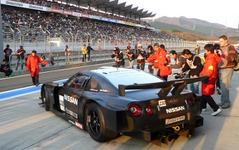 日産 GT-R、SUPER GT仕様がファンの眼前を疾走…NISMOフェスティバル 画像