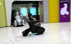 トヨタ i-REAL に乗る…公道へ? 画像