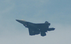 F-22ステルス戦闘機、日本の本土に初飛来 画像