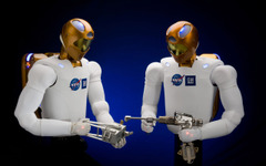 GMのヒューマノイドロボット、国際宇宙ステーションに常駐へ 画像