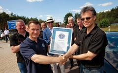 ブガッティ ヴェイロン、市販車のギネス世界最高速記録…431km/h 画像