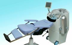 【福祉機器展10】頭の形をスキャンして洗髪するロボット…パナソニック 画像