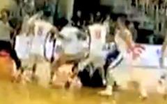 親善試合が大乱闘に---中国vs米国バスケ[動画] 画像